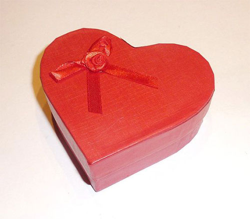 15-Awesome-Romantic-Valentines-Day-Gift-Boxes-Ideas-2014-6