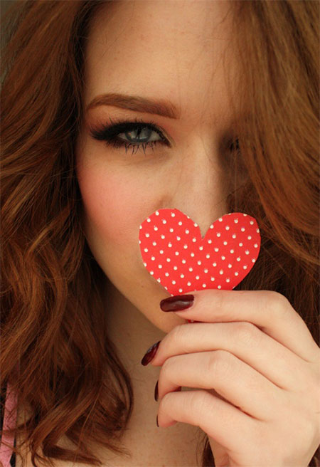 Inspiring-Valentines-Day-Face-Make-Up-2014-For-Girls-3