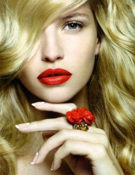 Inspiring-Valentines-Day-Face-Make-Up-2014-For-Girls-4