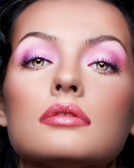 Inspiring-Valentines-Day-Face-Make-Up-2014-For-Girls-6