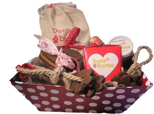 New-Romantic-Valentines-Day-Gift-Basket-Ideas-2014-6