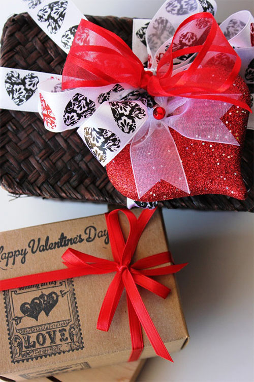 New-Romantic-Valentines-Day-Gift-Basket-Ideas-2014-7