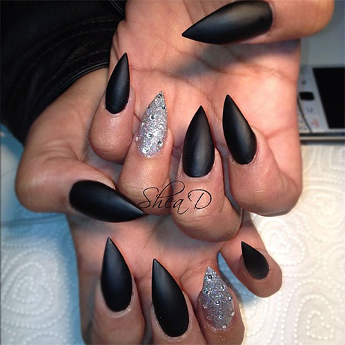 25-Best-Yet-Scary-Halloween-Nail-Art-Designs-Ideas-Trends-Stickers-2014-9
