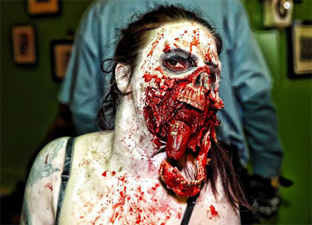 20-Zombie-Halloween-Make-Up-Looks-Trends-Ideas-For-Girls-2014-10