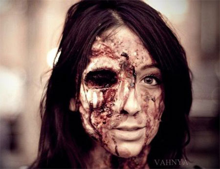 20-Zombie-Halloween-Make-Up-Looks-Trends-Ideas-For-Girls-2014-8