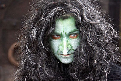 30-Crazy-Scary-Halloween-Hairstyle-Ideas-For-Girls-Women-2014-13