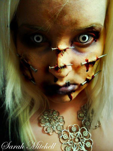 30-Scary-Halloween-Make-Up-Looks-Trends-Ideas-For-Kids-Girls-2014-17