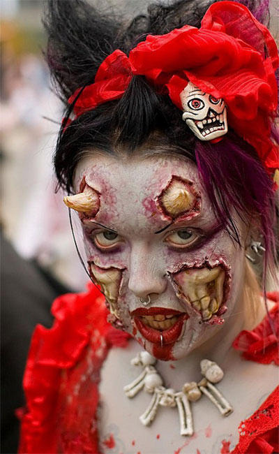12-Scary-Halloween-Devil-Make-Up-Looks-Trends-Ideas-For-Girls-2014-10