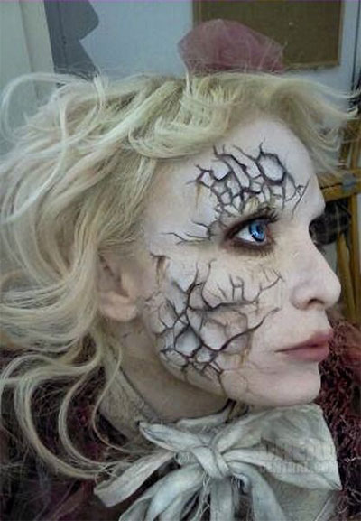 12-Scary-Halloween-Devil-Make-Up-Looks-Trends-Ideas-For-Girls-2014-12