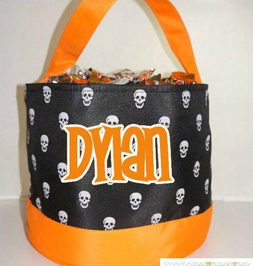 20-Amazing-Halloween-Gift-Basket-Ideas-2014-15