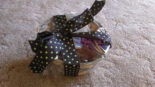 20-Amazing-Halloween-Gift-Basket-Ideas-2014-20