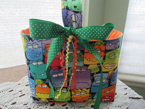 20-Amazing-Halloween-Gift-Basket-Ideas-2014-3