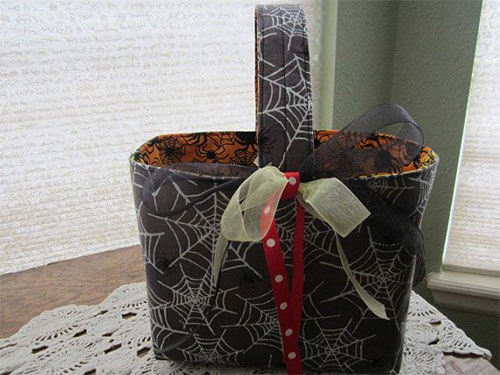 20-Amazing-Halloween-Gift-Basket-Ideas-2014-4