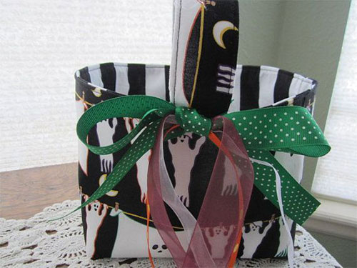 20-Amazing-Halloween-Gift-Basket-Ideas-2014-5