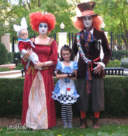 20 Creative & Innovative Family Themed Halloween Costume & Outfit ...