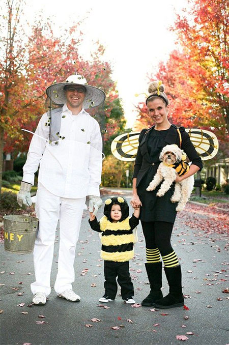 20-Creative-Innovative-Family-Themed-Halloween-Costume-Outfit-Ideas-2014-13