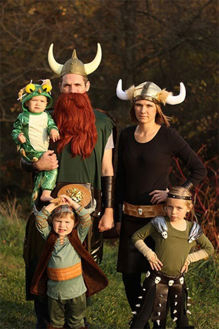 20-Creative-Innovative-Family-Themed-Halloween-Costume-Outfit-Ideas-2014-16