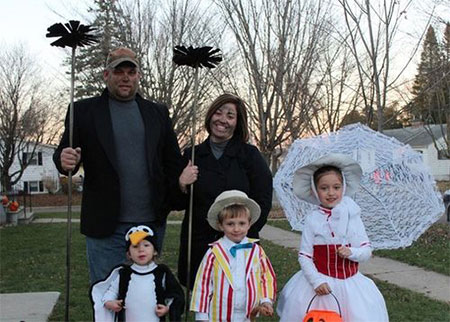 20-Creative-Innovative-Family-Themed-Halloween-Costume-Outfit-Ideas-2014-20