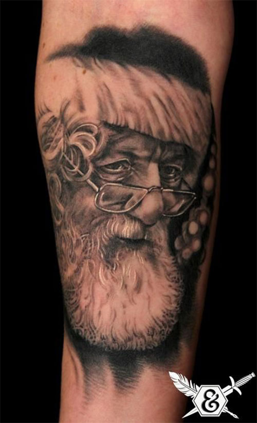 10-Inspiring-Christmas-Tattoos-Designs-Ideas-For-Girls-Women-2014-5