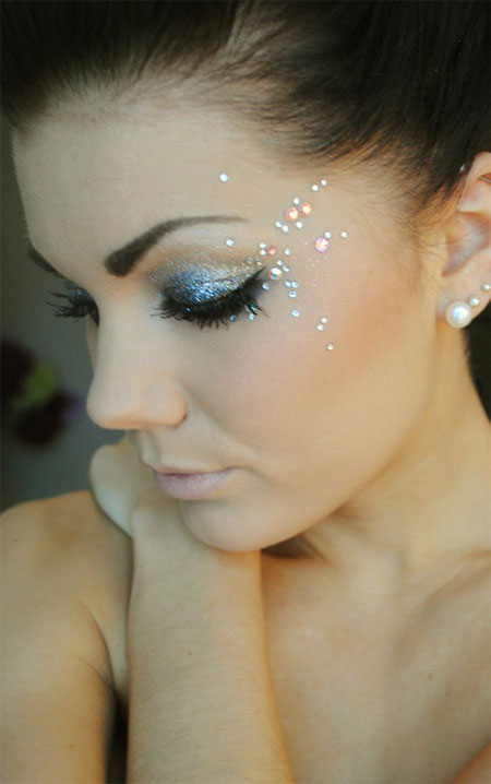 12-Christmas-Eye-Make-Up-Looks-Ideas-Trends-Designs-For-Girls-2014-4
