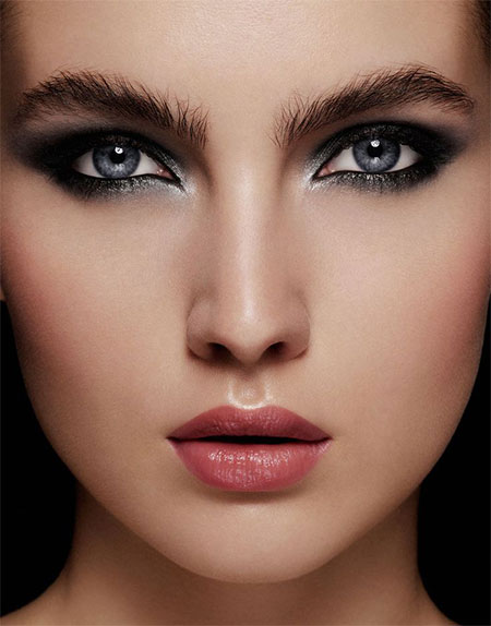 12-Christmas-Face-Make-Up-Looks-Ideas-Trends-Designs-For-Girls-2014-1