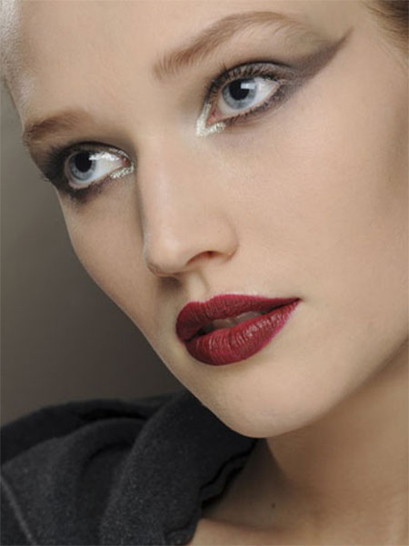 12-Christmas-Face-Make-Up-Looks-Ideas-Trends-Designs-For-Girls-2014-10