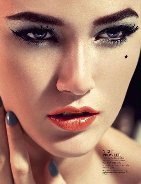 12-Christmas-Face-Make-Up-Looks-Ideas-Trends-Designs-For-Girls-2014-4