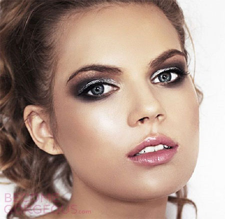 12-Christmas-Face-Make-Up-Looks-Ideas-Trends-Designs-For-Girls-2014-6