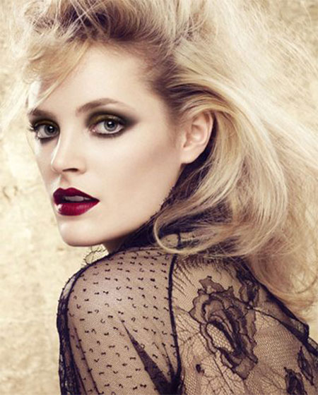 12-Christmas-Face-Make-Up-Looks-Ideas-Trends-Designs-For-Girls-2014-7