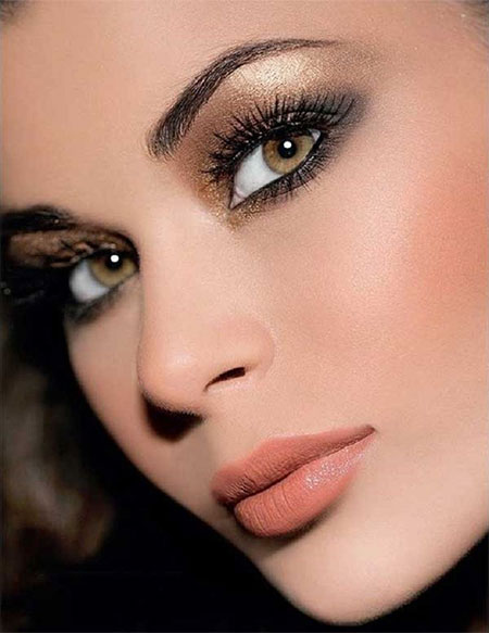 12-Christmas-Face-Make-Up-Looks-Ideas-Trends-Designs-For-Girls-2014-9