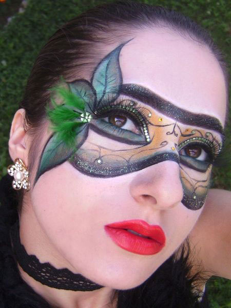 12-Christmas-Fantasy-Make-Up Ideas-Looks-Designs-For-Girls-2014-3