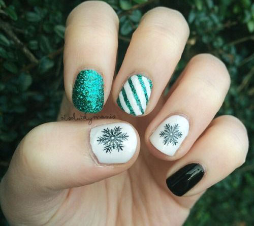 18-Snowflake-Nail-Art-Designs-Ideas-Trends-Stickers-2015-11