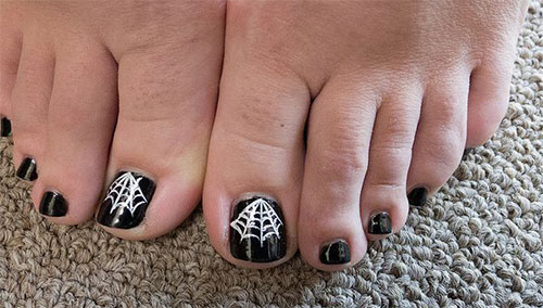 10-Inspiring-Halloween-Toe-Nail-Art-Designs-Ideas- - 10 Inspiring Halloween Toe Nail Art Designs & Ideas 2015 Girlshue