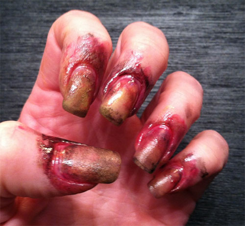 18-Zombie-Nail-Art-Designs-Ideas-Stickers-For-Halloween-2015-5