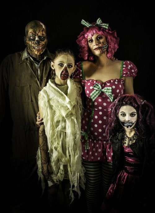 20-Best-Funny-Family-Themed-Halloween-Costume-Ideas-2015-10