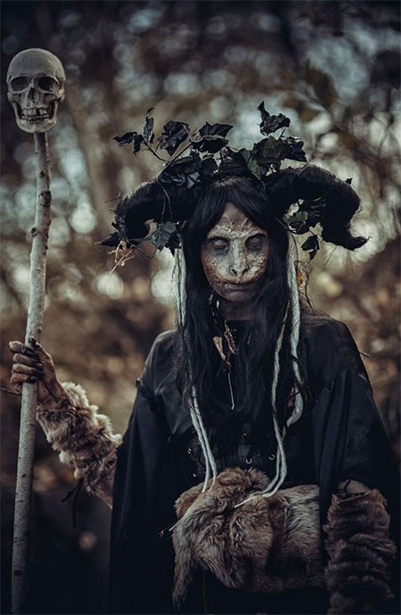 25-Scary-Halloween-Costumes-Outfit-Ideas-For-Girls-Women-2015-11