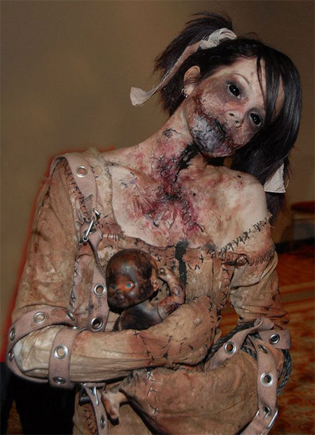 25-Scary-Halloween-Costumes-Outfit-Ideas-For-Girls-Women-2015-15