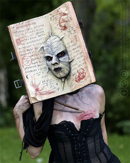 25-Scary-Halloween-Costumes-Outfit-Ideas-For-Girls-Women-2015-17
