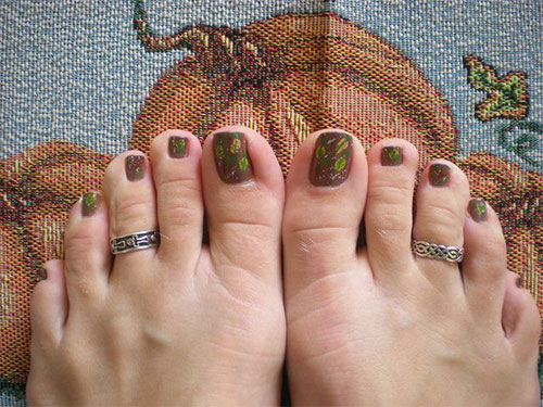 Cool-Amazing-Fall-Autumn-Toe-Nail-Art-Designs-Ideas-2015-1