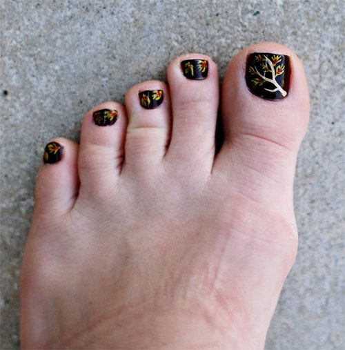 Cool-Amazing-Fall-Autumn-Toe-Nail-Art-Designs-Ideas-2015-5