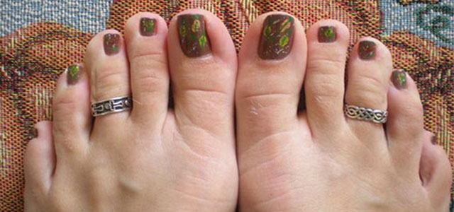 Cool-Amazing-Fall-Autumn-Toe-Nail-Art-Designs-Ideas-2015-F
