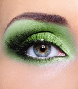 Lucky Makeup Ideas for the Chinese New Year 2016 - Green 1