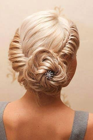 15+ Lovely Flower Hairstyles 2016 17