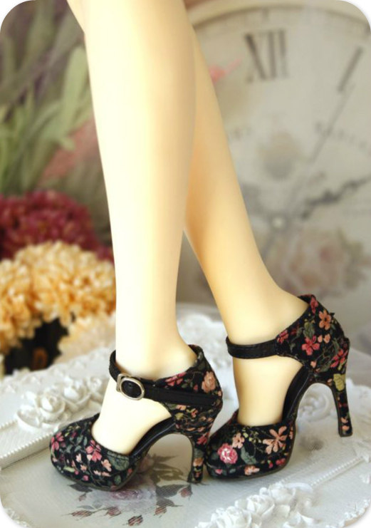Gorgeous Floral Heels for Spring 2016 11