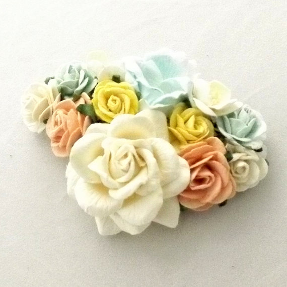 Pastel Corsages for Spring 2016 7
