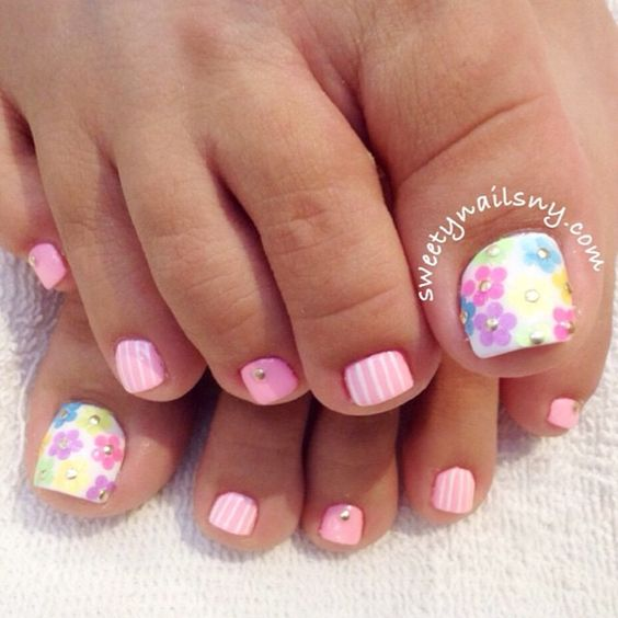 Toe Nail Art Ideas for Spring 2016 10
