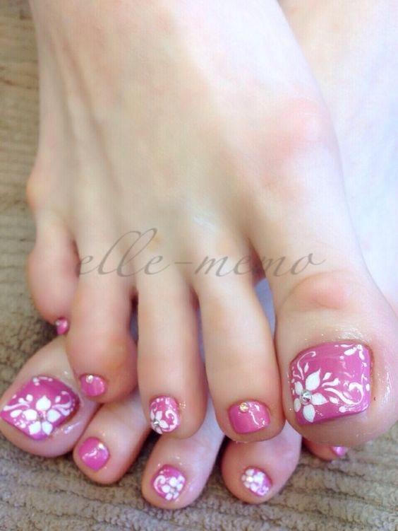 Toe Nail Art Ideas for Spring 2016 17