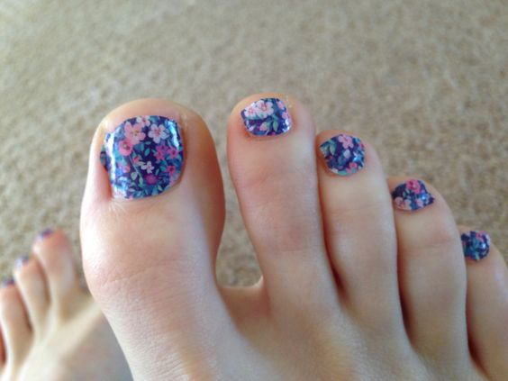 Toe Nail Art Ideas for Spring 2016 7