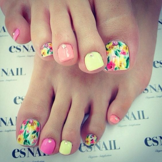 Toe Nail Art Ideas for Spring 2016 9