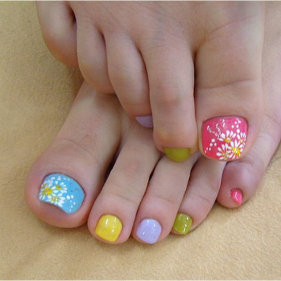 Amazing and Creative Toe Nail Art Ideas for Summer 2016 14